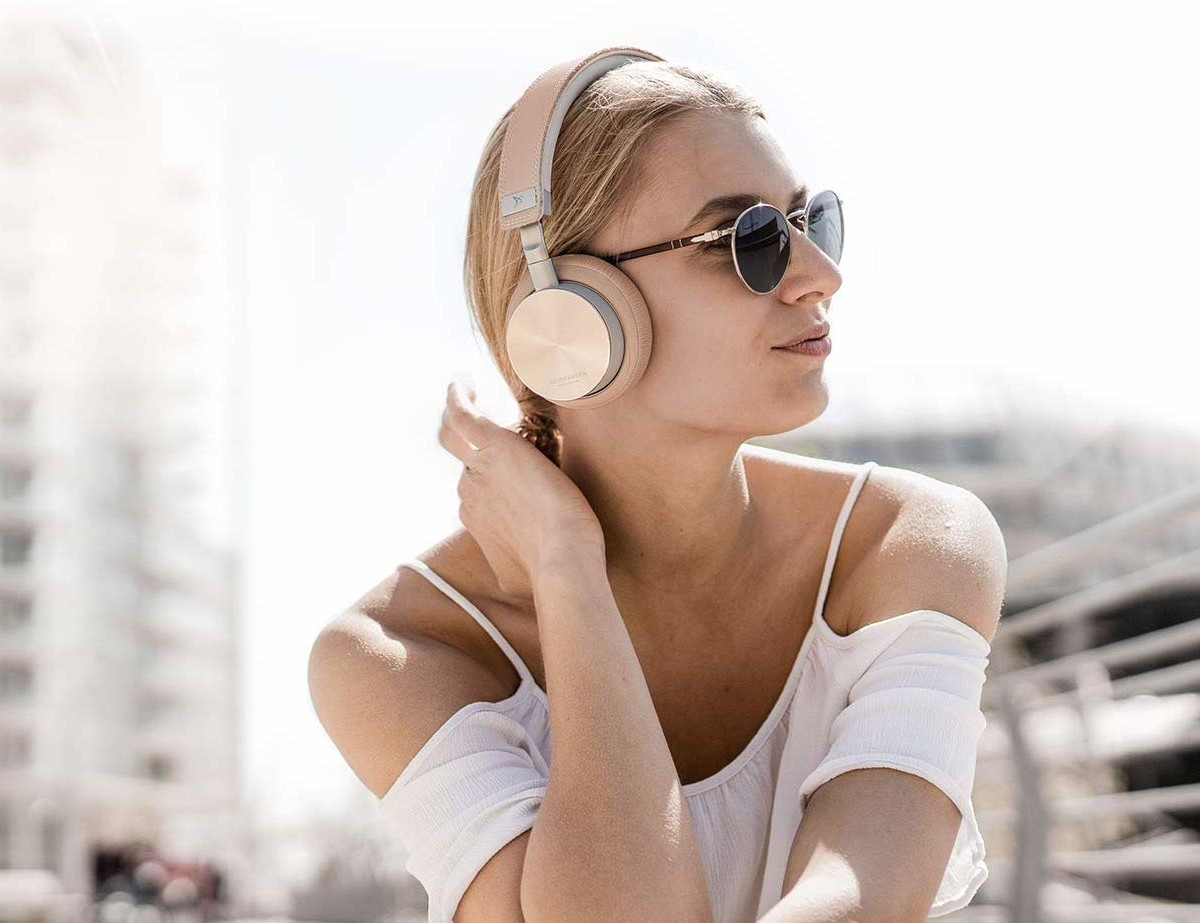 Vonmählen Wireless Concert One On-Ear Headphones play music for more than 21 hours straight