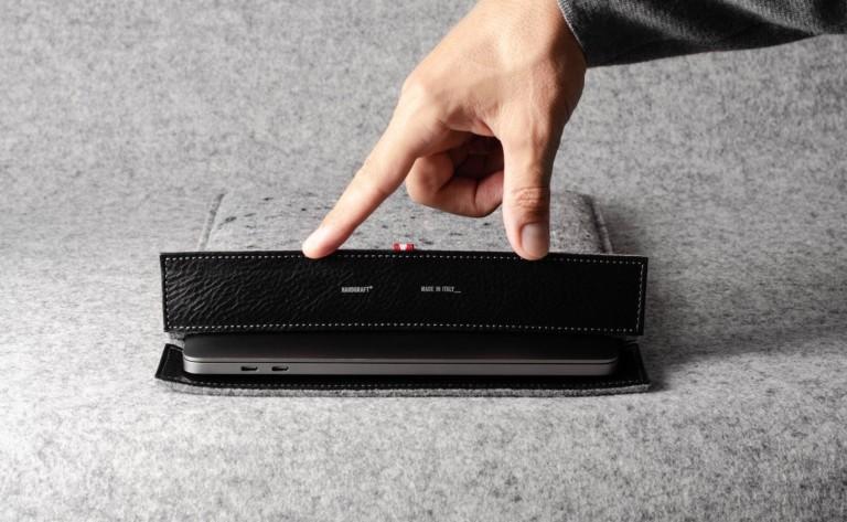 hardgraft Clean Cut Wool Felt Laptop Sleeve keeps your computer snug and warm