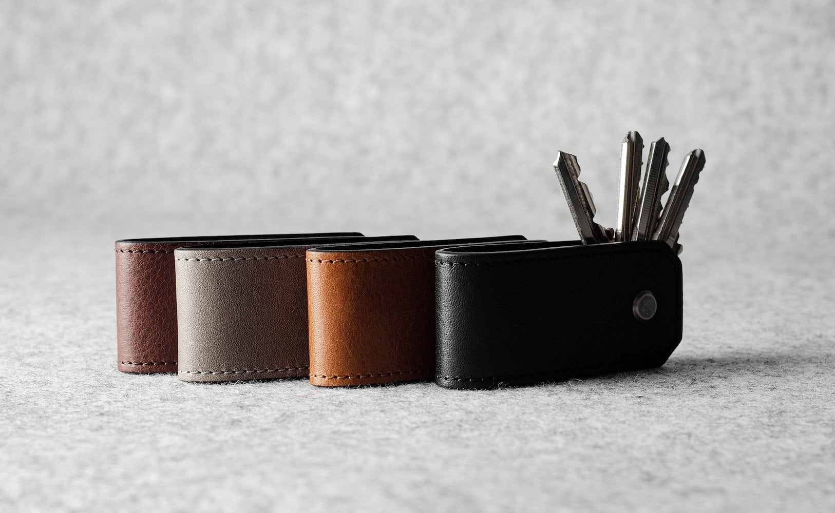 hardgraft Key Sandwich Leather Holder keeps your keys from jingling all over the place