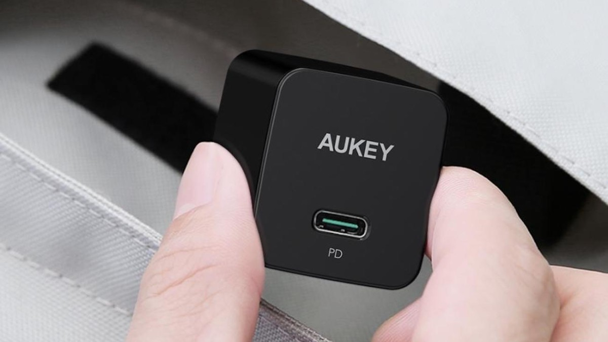 AUKEY Minima 27W Tiny Wall Charger charges iPhones up to 3 times faster