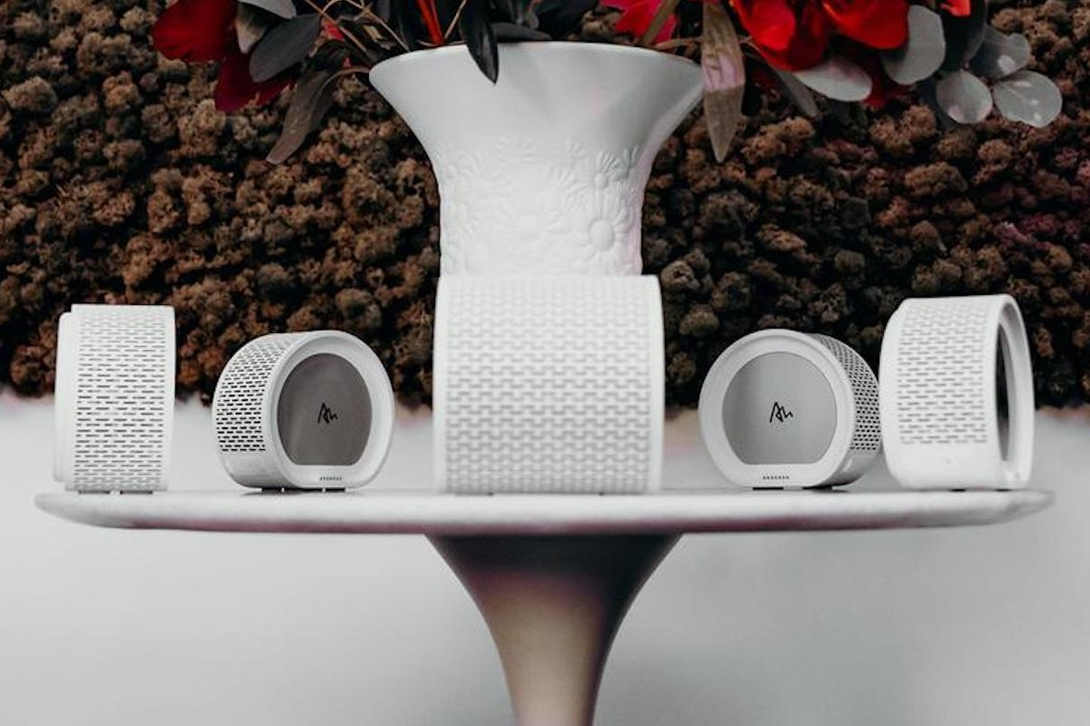 Air Audio by Quirky Pull-Apart Speaker consists of five smaller speakers in one