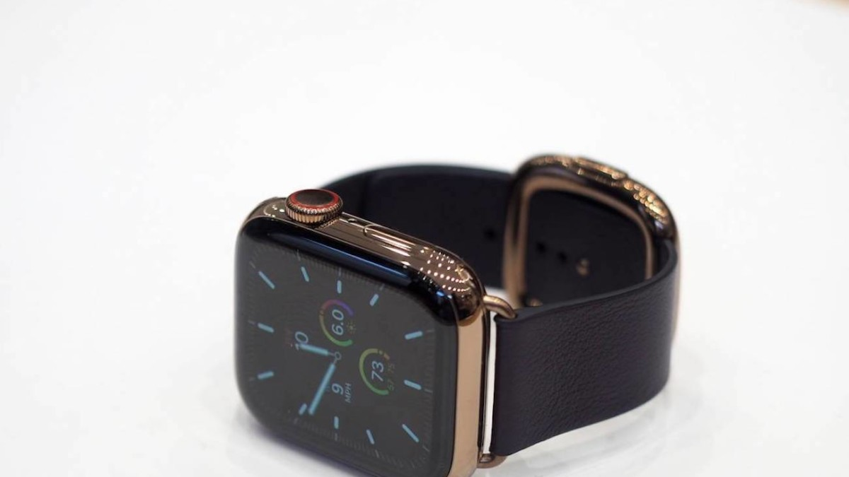 Apple Leather Apple Watch Series 5 Bands are handcrafted with beautiful textures