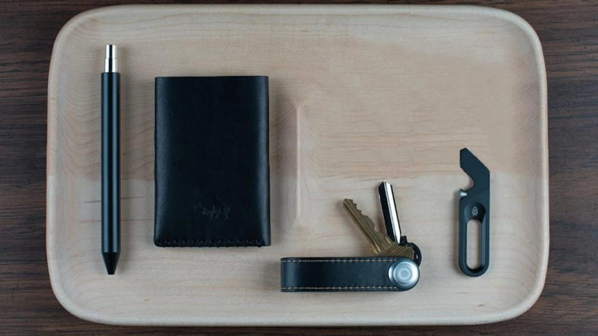 Craighill Nocturn Catch Wood Valet Tray provides a beautiful place to store your EDC essentials