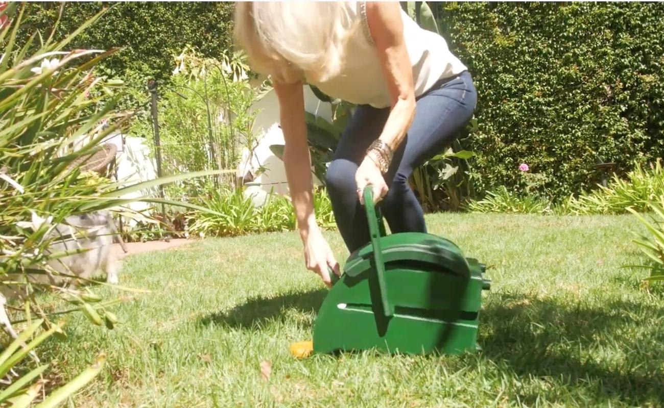 GoodWag Backyard Dog Waste Pail helps you pick up your pup's business and store it for a week