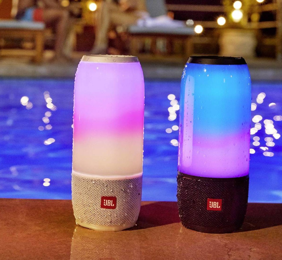JBL Pulse 3 Bluetooth Portable Waterproof Speaker is completely dunkable
