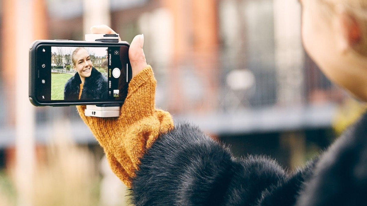 Just Mobile™ ShutterGrip 2 Pocket Phone Grip uses Bluetooth for better photos on the go