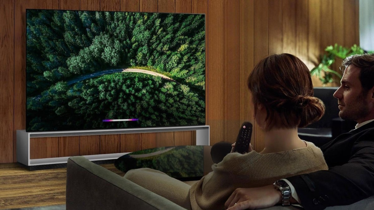 LG Real 8K OLED Ultra HD TV has at least 33 million active pixels