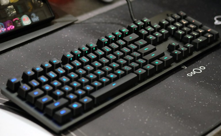 Logitech G512 Lightsync RGB Mechanical Gaming Keyboard has 16.8 million color choices