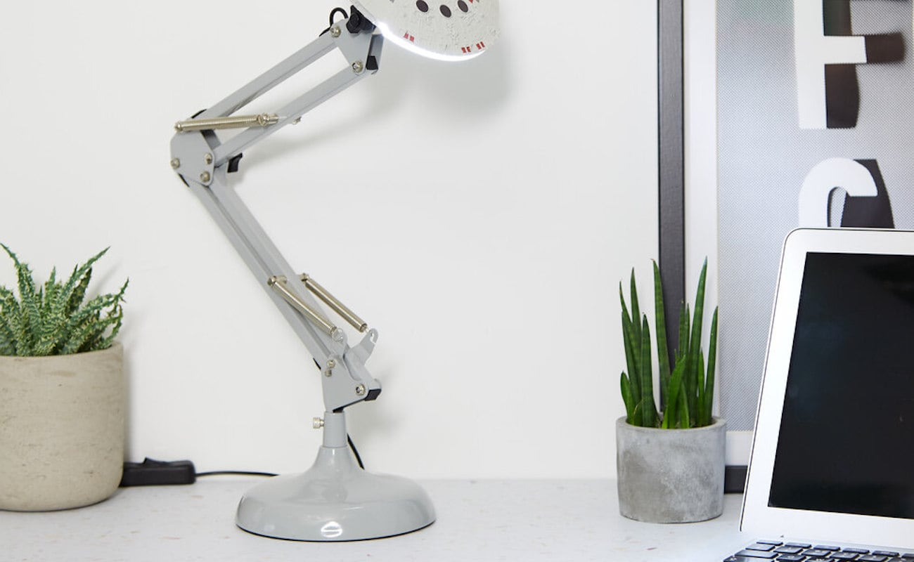 star wars desk accessories with lamp   This Star Wars Desk Lamp Shows What Side You're On