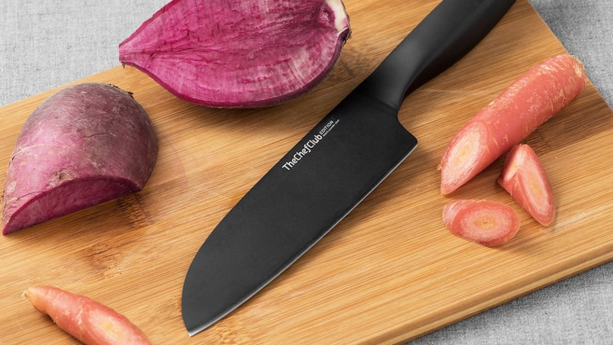 These high-tech steel knives are super sharp