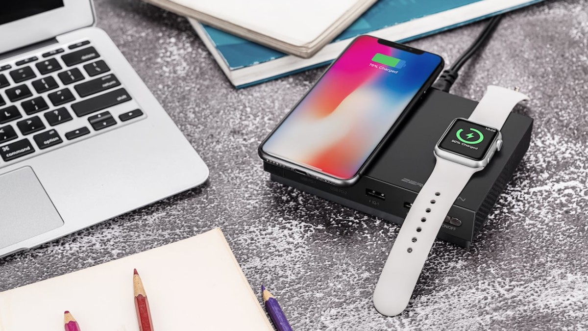 ZeroLemon 135W Extreme Charge Station can handle six devices at once