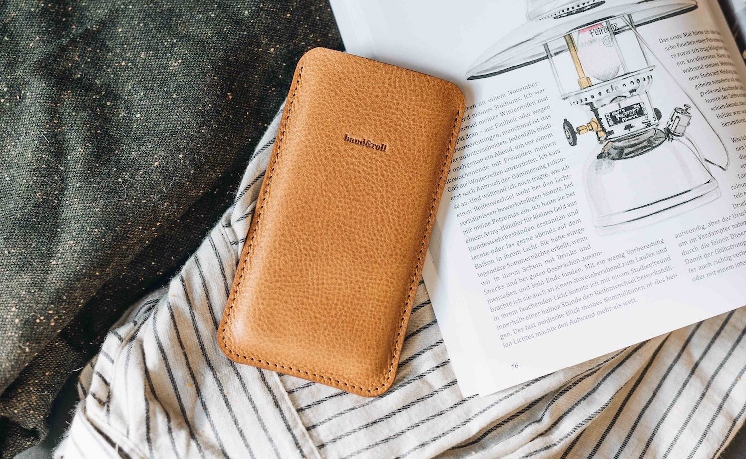 band&roll Dandy Leather Phone Sleeve offers a minimalist way to protect your device