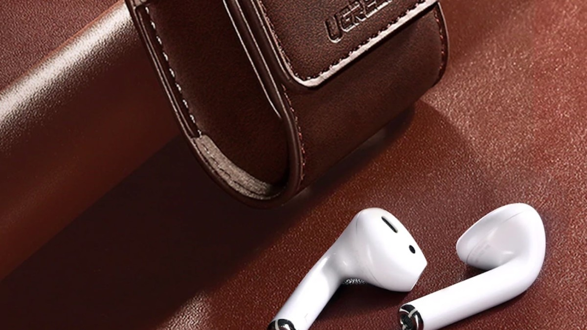 This 360-Degree Full Protection AirPods Case comes with a strong magnetic closure