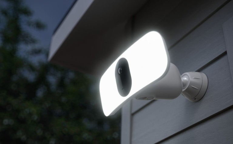 Arlo Pro 3 Floodlight Home Security Camera has a completely wireless design