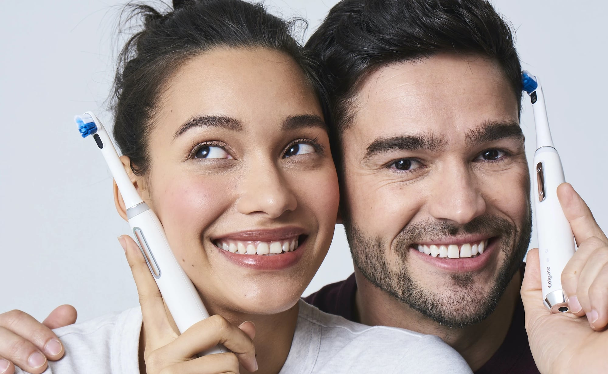 Colgate Plaqless Pro Smart Electric Toothbrush detects and removes buildup while you brush