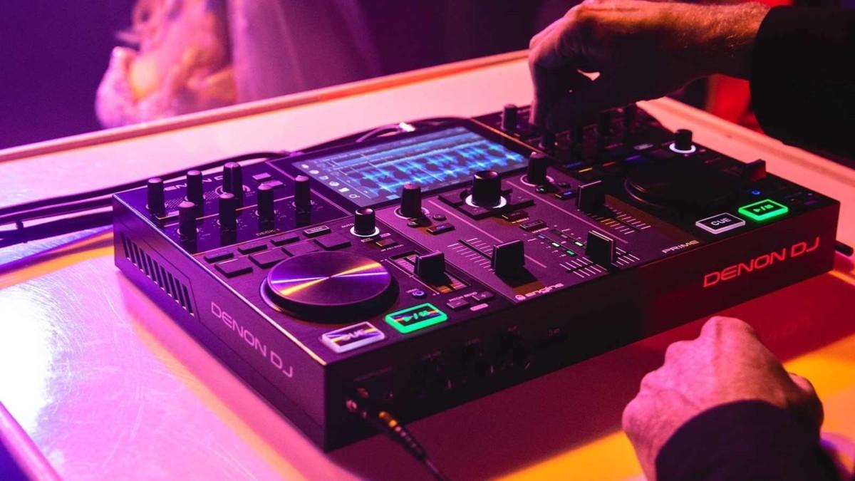 Denon DJ Prime Go Smart DJ Console has a 7-inch HD touch screen display