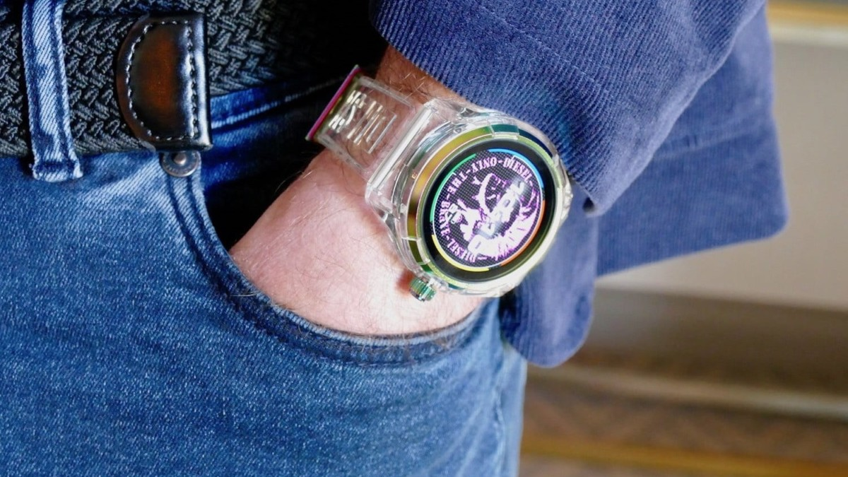 Diesel On Fadelite Smartwatch features transparent fading colors