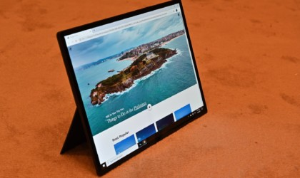 Intel Horseshoe Bend Foldable PC