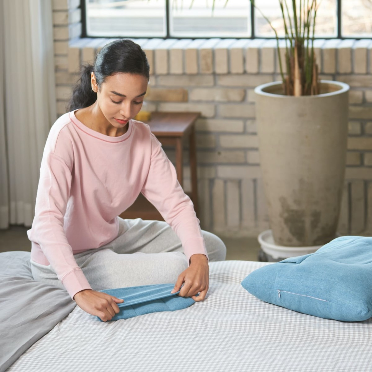 Dullo+ Cooling Pillow provides neck support no matter which way you sleep