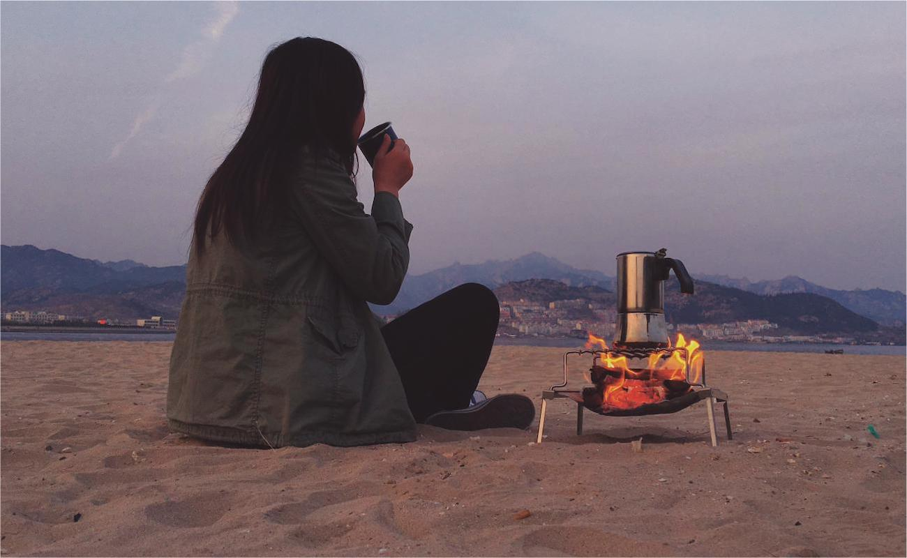 Earth Grill Compact Open-Flame Cooking Device is eco-friendly