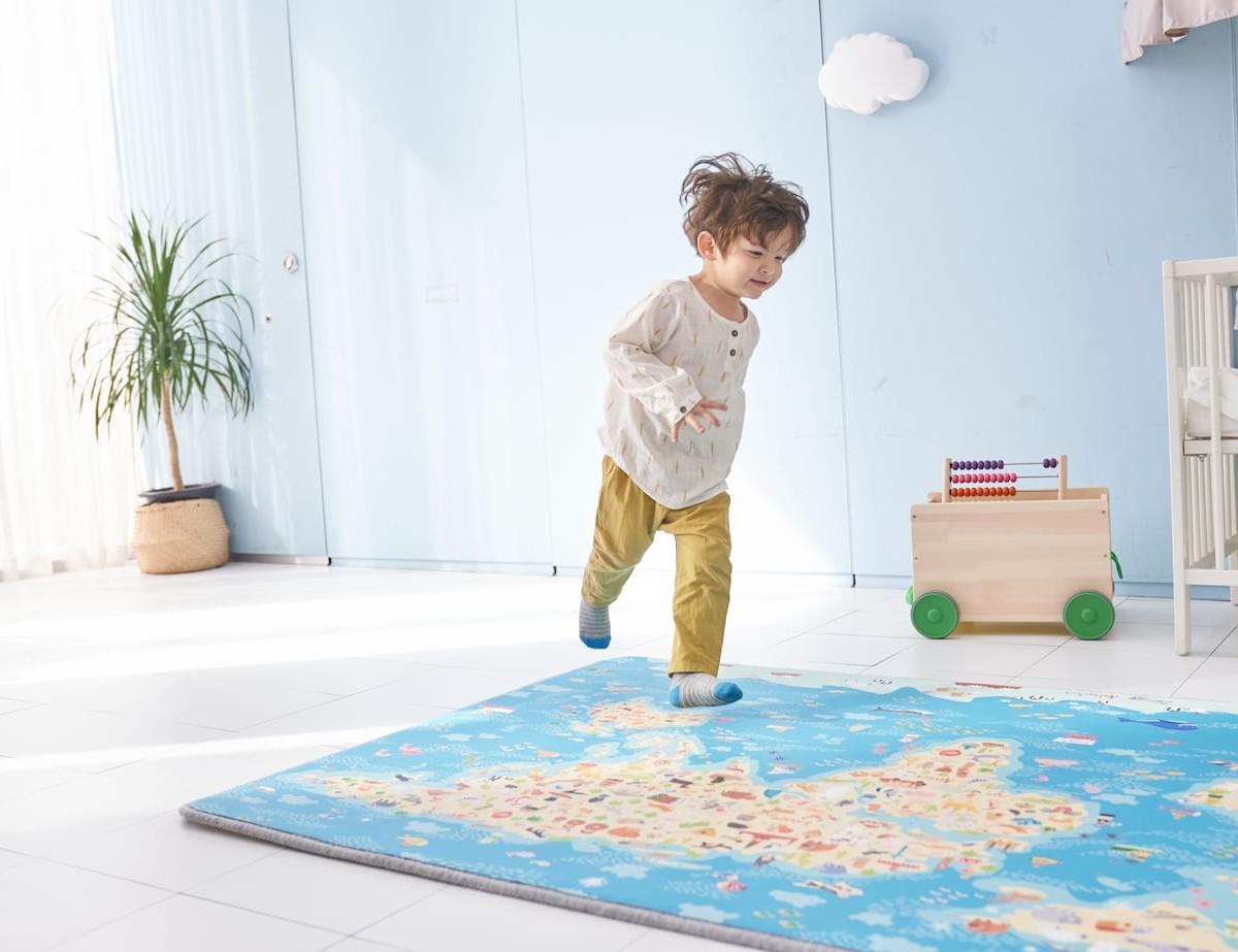 Funtory Magic Carpet Toddler Playmat features educational AR technology