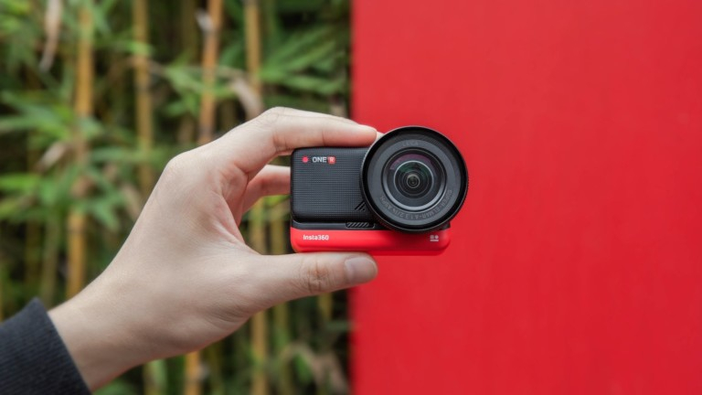 Insta360 One R Series modular action camera now offers PureShot AI shooting mode