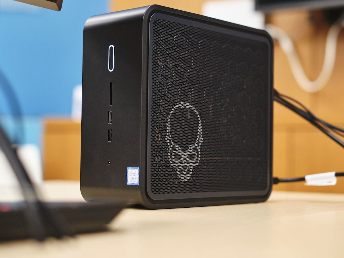 Intel Ghost Canyon NUC 9 Extreme Kit comes in a compact customizable package