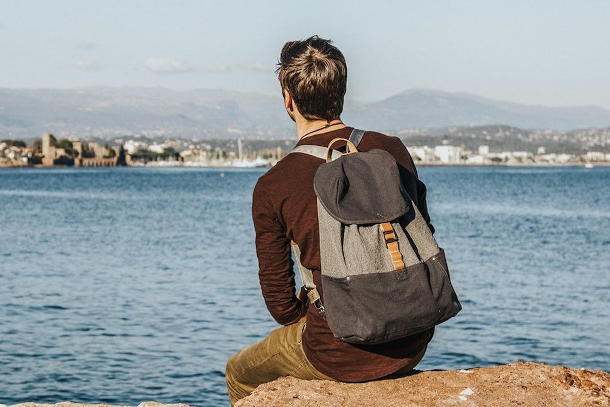 LOCTOTE Cinch Pack Strong Travel Bag has a slash-resistant material for security