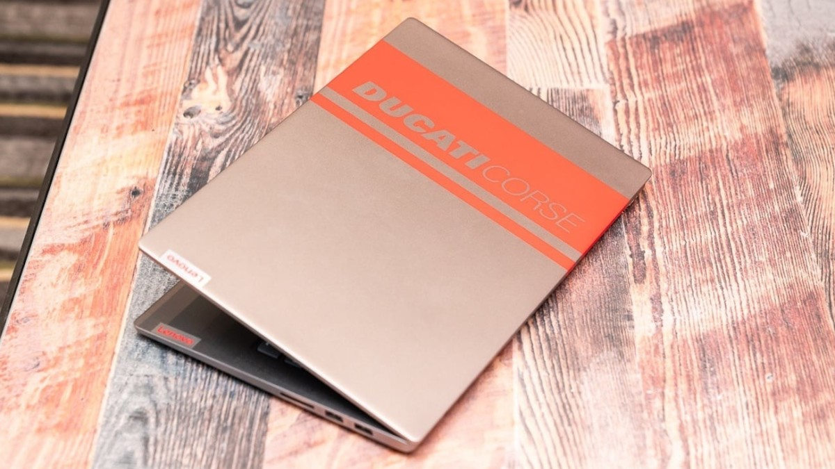 Lenovo Ducati 5 Racing Stripe Laptop delivers performance at high speed