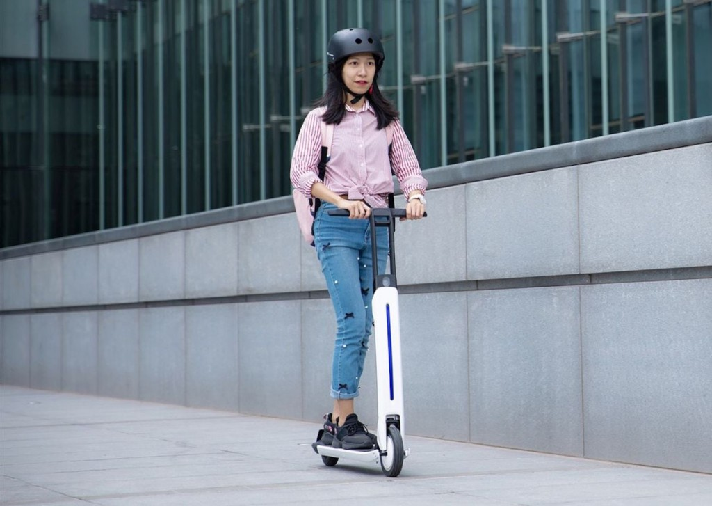 Segway-Ninebot Air T15 Electric Kick Scooter
