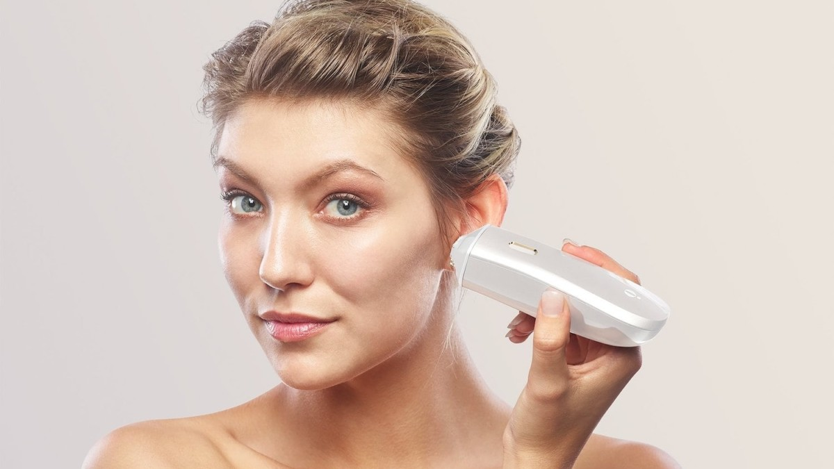 OPTE Precision Skincare Beauty Device scans your skin