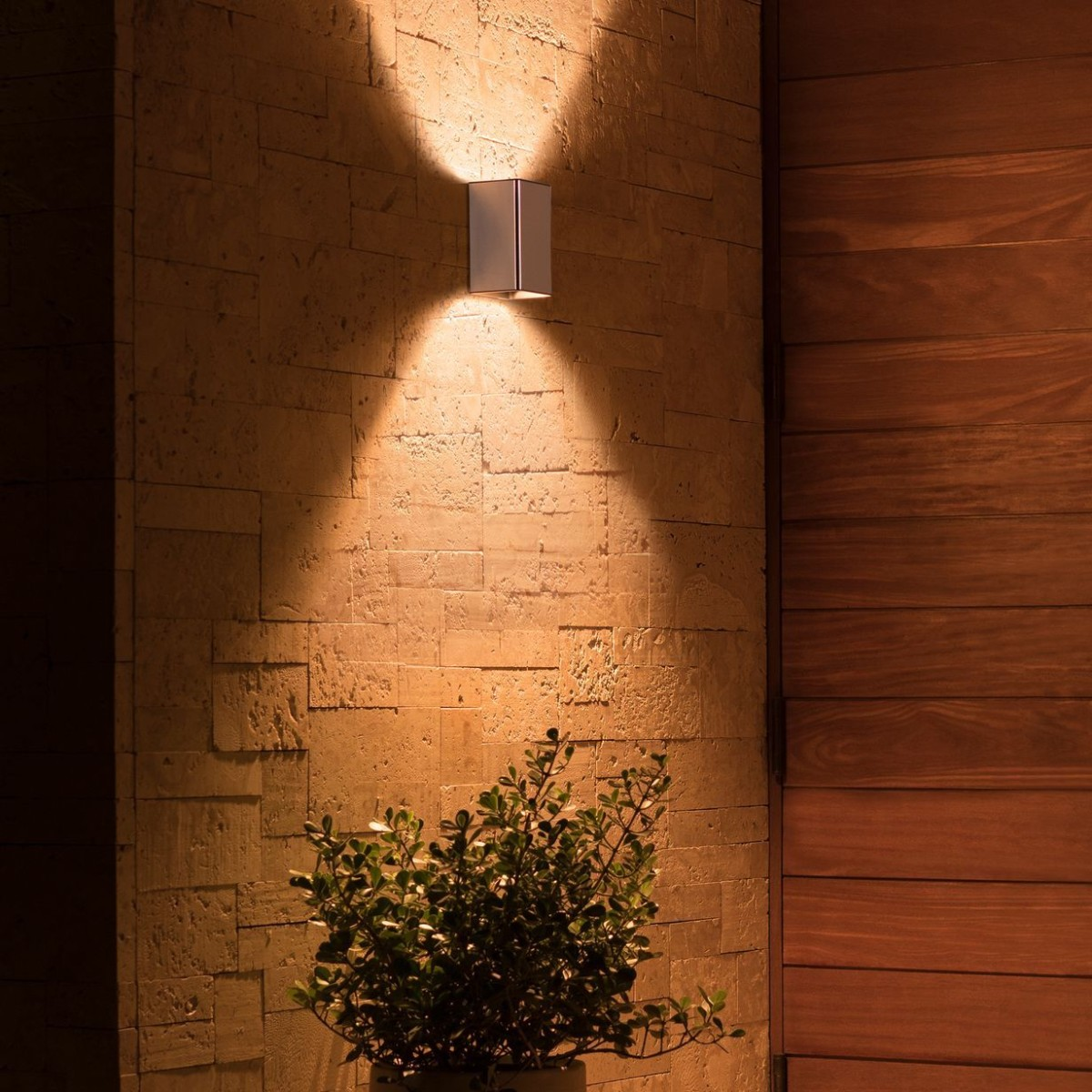 Philips Hue Resonate Sleek Outdoor Lamp produces clean and bright triangles of light
