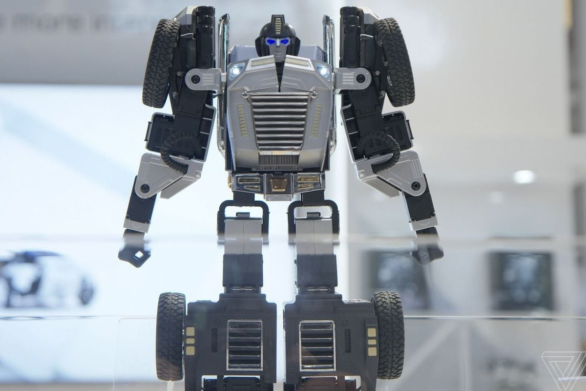 Robosen T9 Robot will transform on your command