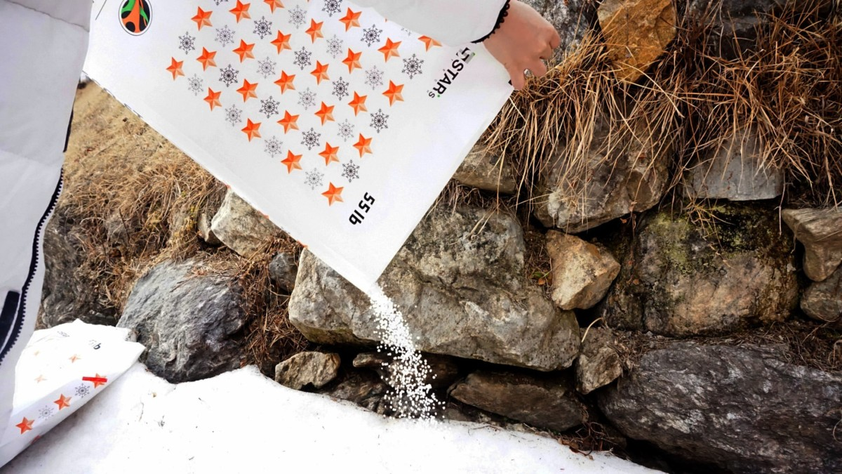 STAR's Tech ECO-ST Eco-Friendly Ice Melter uses extracts from starfish