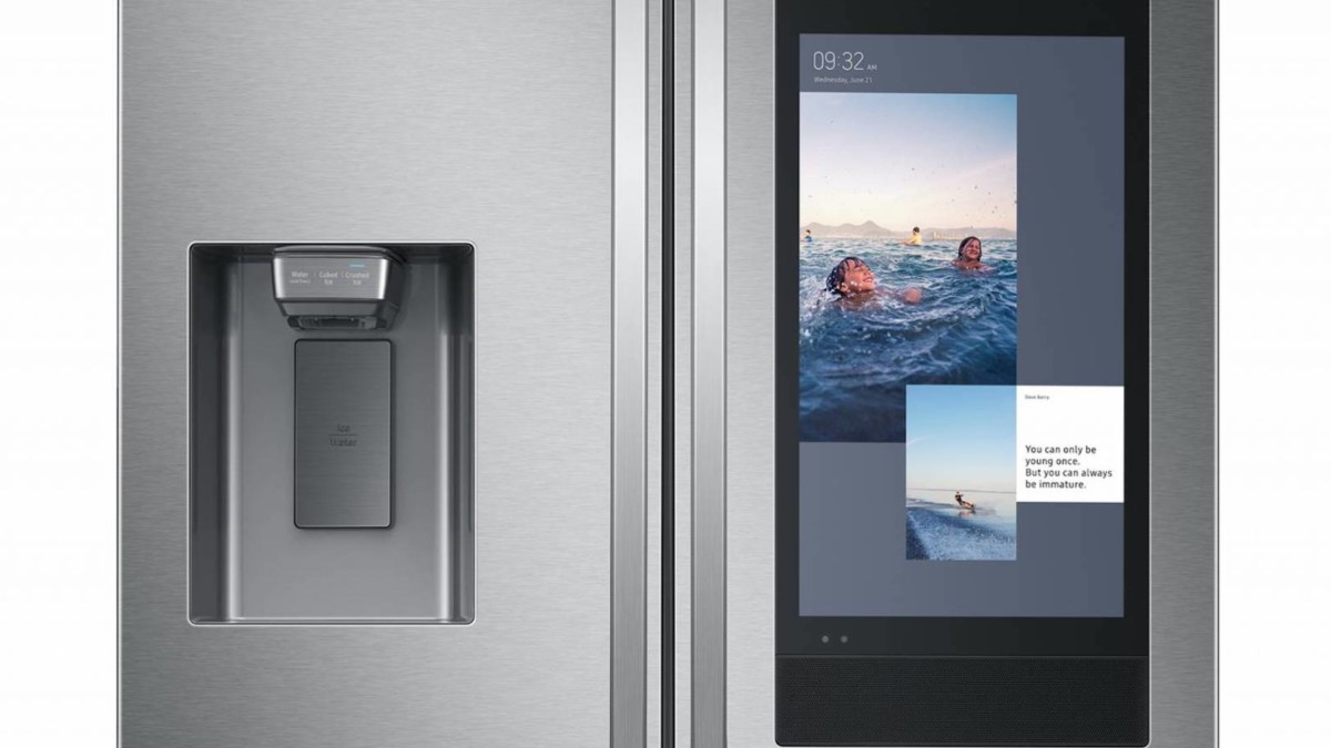Samsung Family Hub 2020 Smart Fridge helps you plan your meals