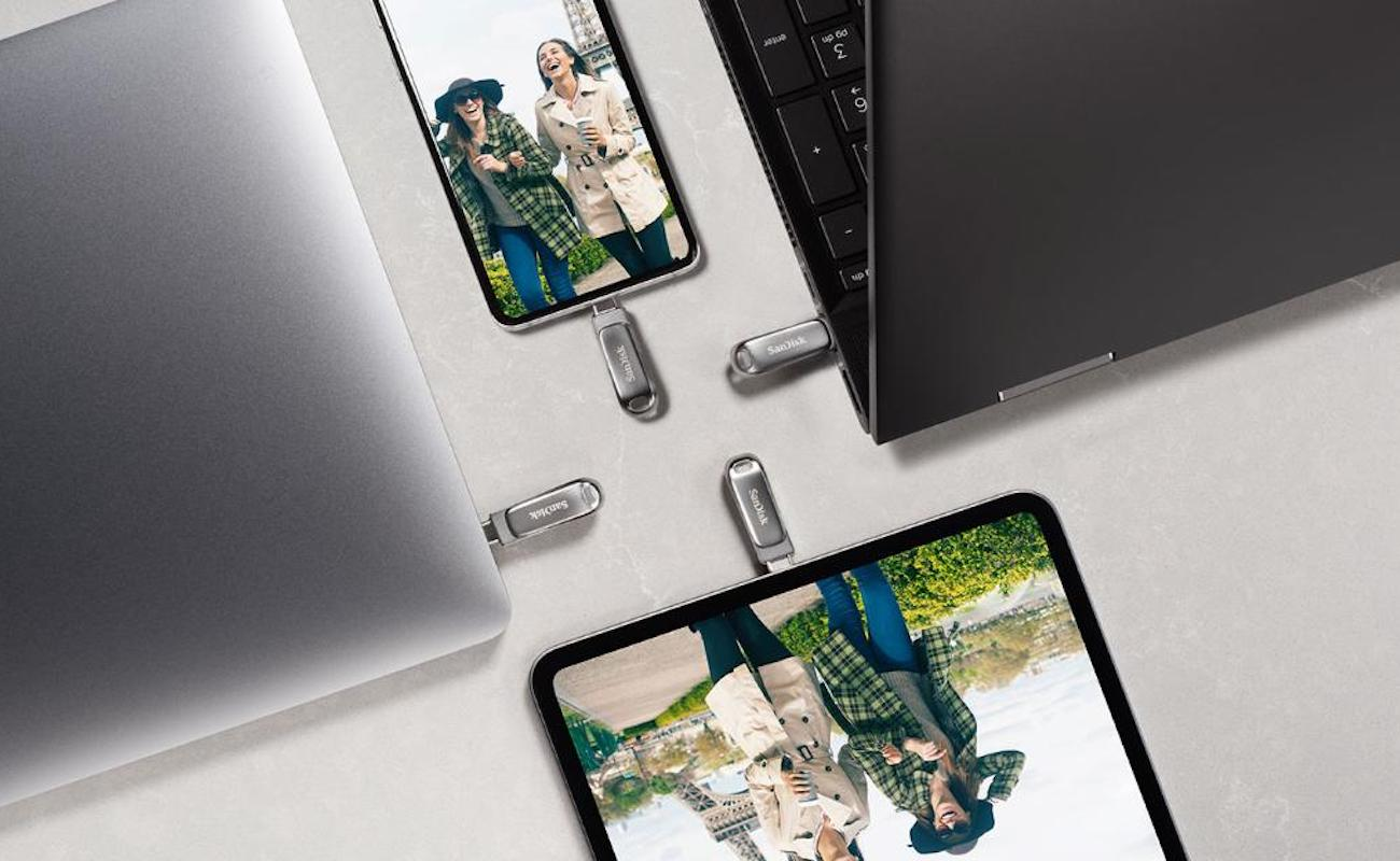 SanDisk Ultra Dual Drive Luxe Double Flash Drive has both USB-A and USB-C connectors