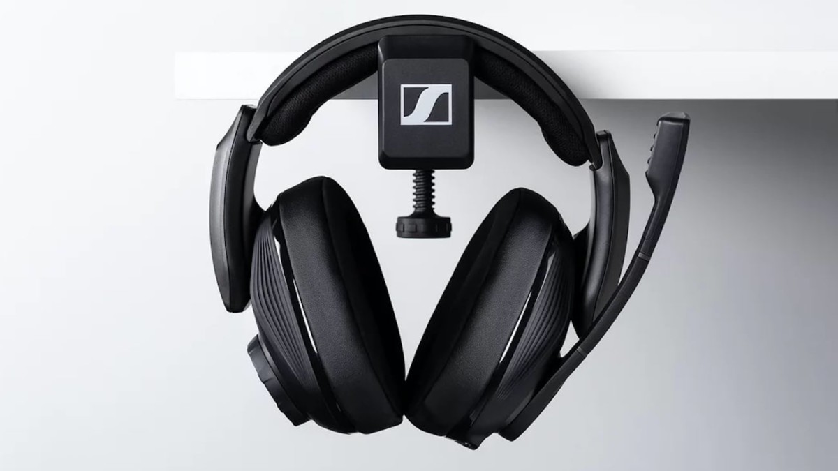 Sennheiser GSP 670 Wireless Gaming Headset give you up to 20 hours of battery life