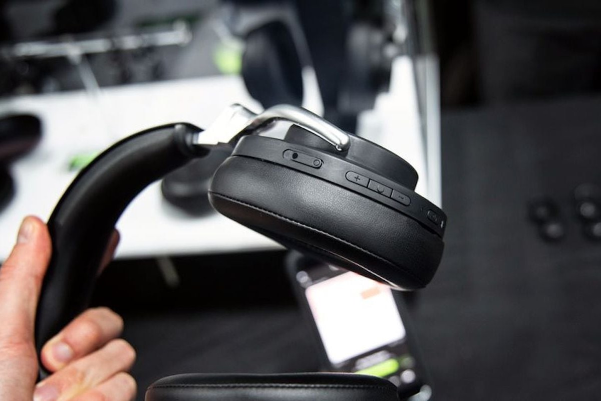 Shure AONIC 50 Noise-Canceling Headphones have a comfortable wireless design