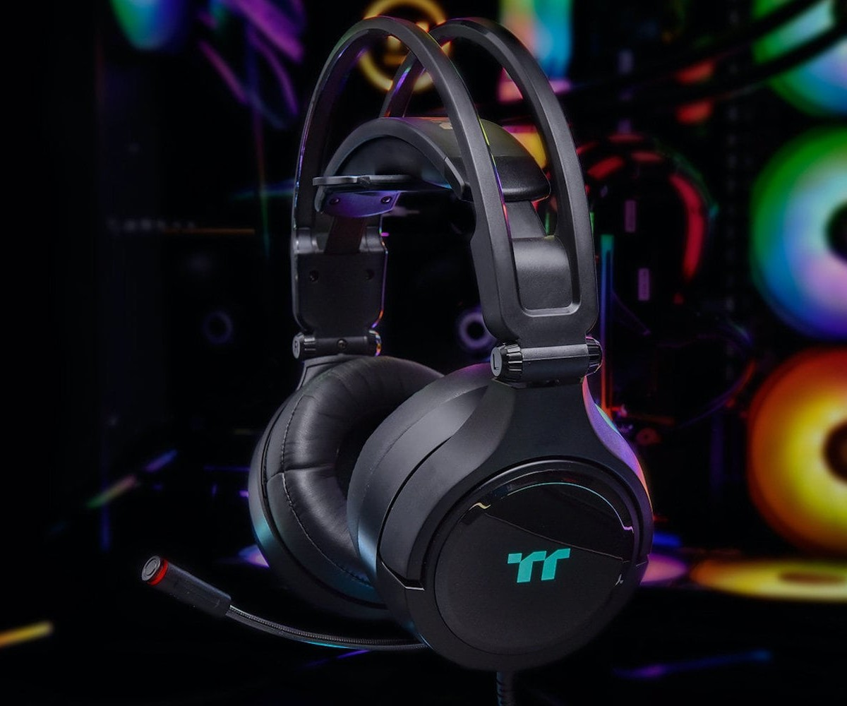 Thermaltake Riing Pro RGB 7.1 Gaming Headset offers a virtual surround sound experience