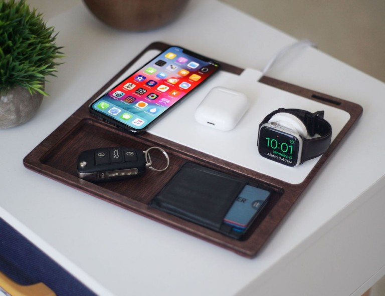 NytStnd Multi-Device Charging Station