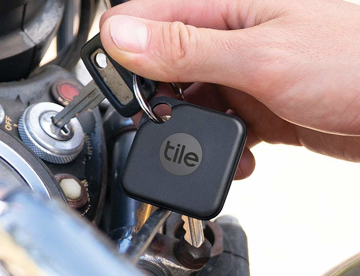 Tile Pro Keychain Bluetooth Tracker (2020 Version) works with a 400-foot range