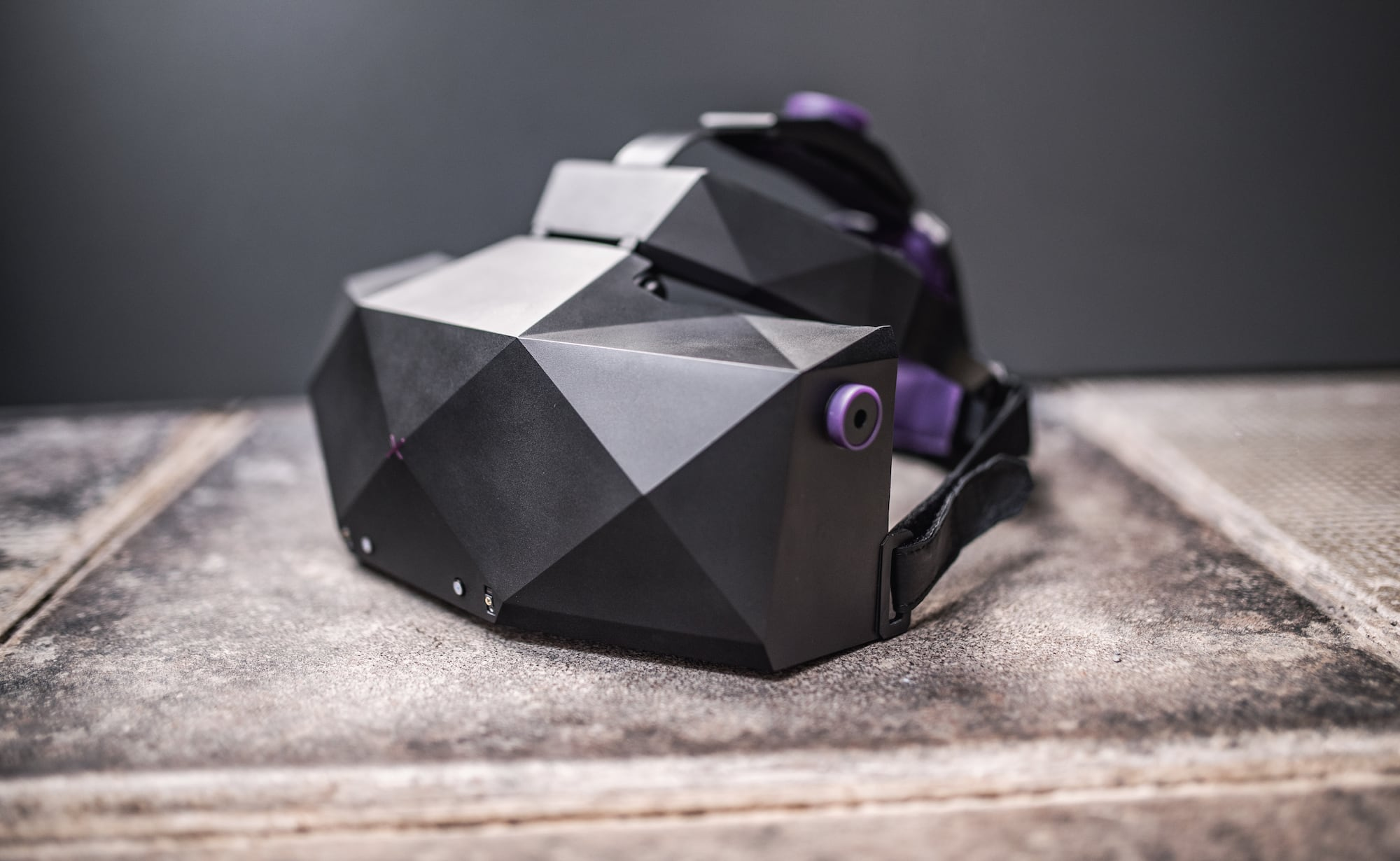 VRgineers XTAL High-Resolution VR Headset immerses you in its 180º field of view
