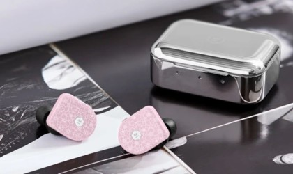 Master & Dynamic MW07 Cherry Blossom Special Edition Earbuds