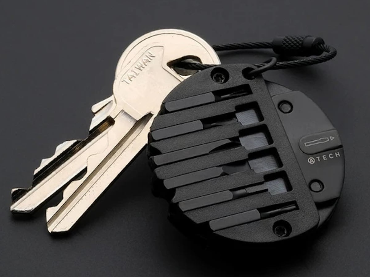 ATECH Multitool 8-in-1 EDC Keychain includes 6 different screwdrivers