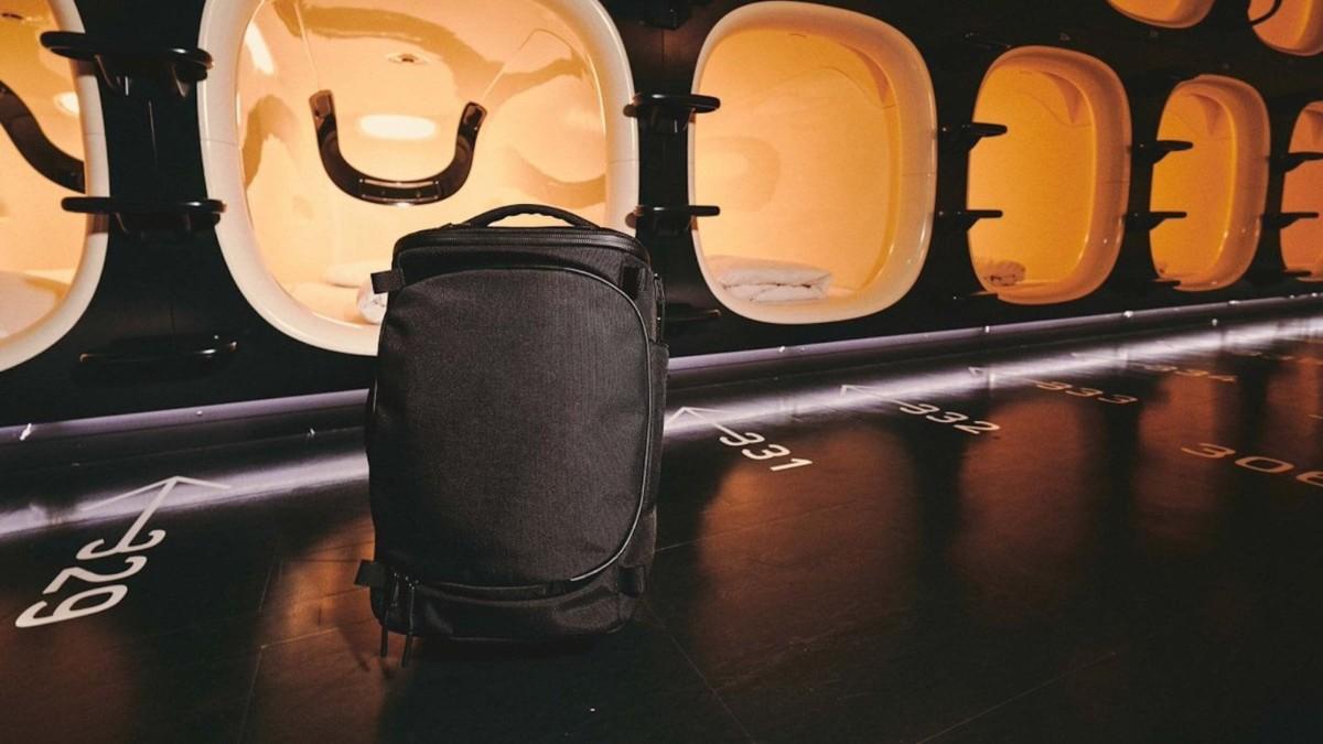 Aer Capsule Pack Max 40-Liter Bag is spacious yet organized