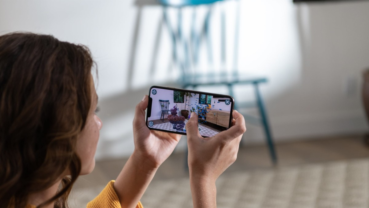 Apple's Quick Look AR feature helps you buy the right sofa, faster