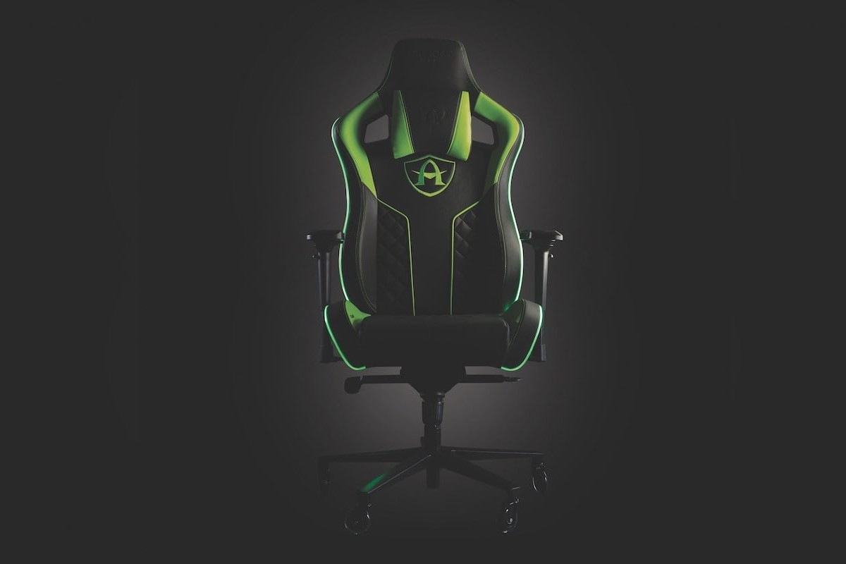 Arcadeo Gaming Chair Haptic Feedback Seat works with every platform