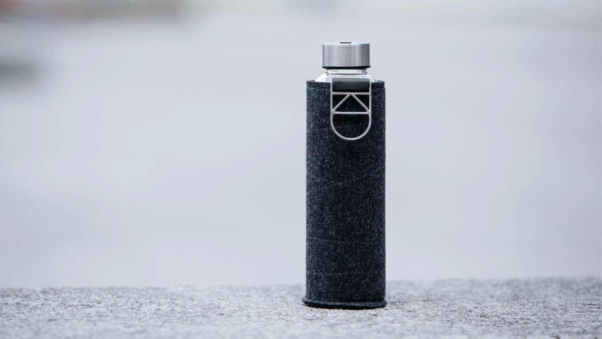 EQUA Mismatch Stylish Water Bottle comes with a beautiful protective cover