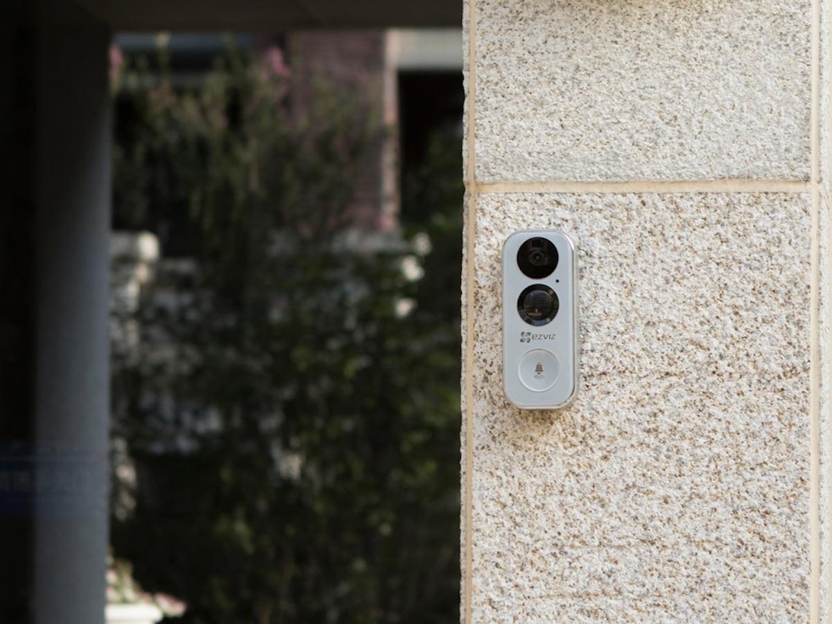 EZVIZ DB1 Wi-Fi Smart Doorbell displays who's at the door from top to bottom