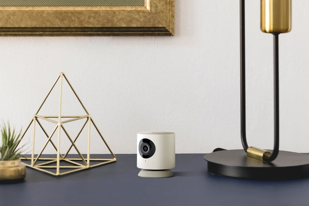 Hoop Cam+ Smart AI Indoor Camera uses advanced facial recognition technology